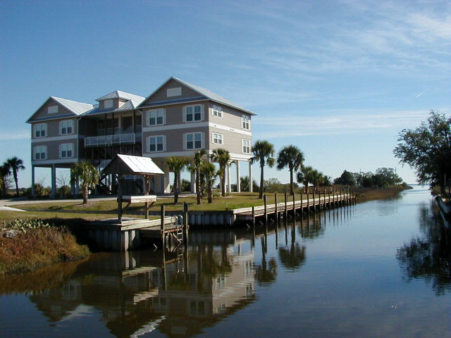 Horseshoe Beach Florida Condo For Sale - Canal - near Gulf of Mexico